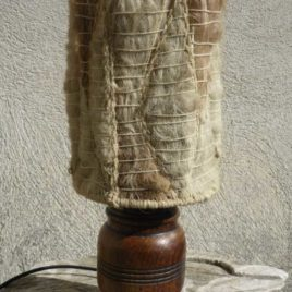 Lampe en bois et laine vintage