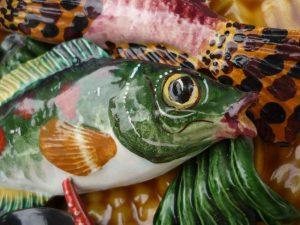Détail assiette Vallauris poisson vert