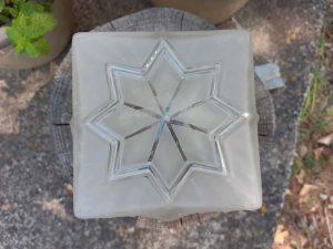 Globe art déco carré vue du dessus